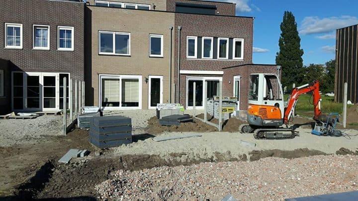 In een nieuwbouwproject in Hoogeveen hebben wij twee mooie tuinen mogen aanlegge